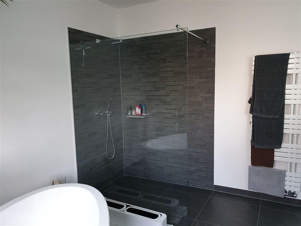 Beispiel Duschen